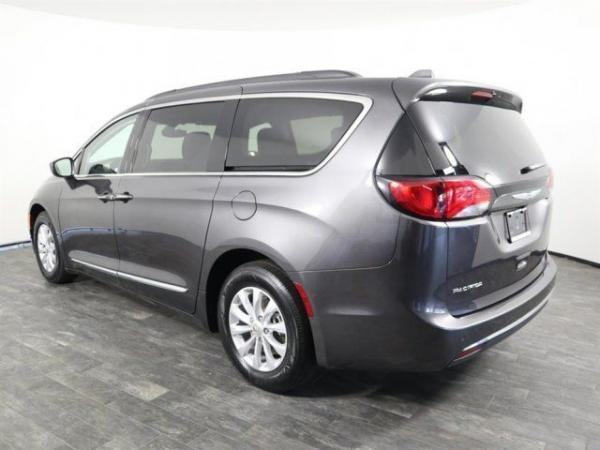 Chrysler Pacifica 2017 $20999.00 incacar.com