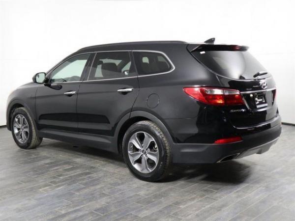 Hyundai Santa Fe 2016 $16999.00 incacar.com
