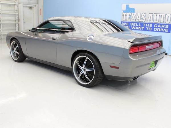 Dodge Challenger 2011 $13998.00 incacar.com