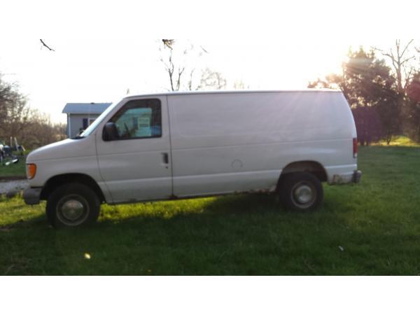 Ford E-Series Van 1999 $1800.00 incacar.com