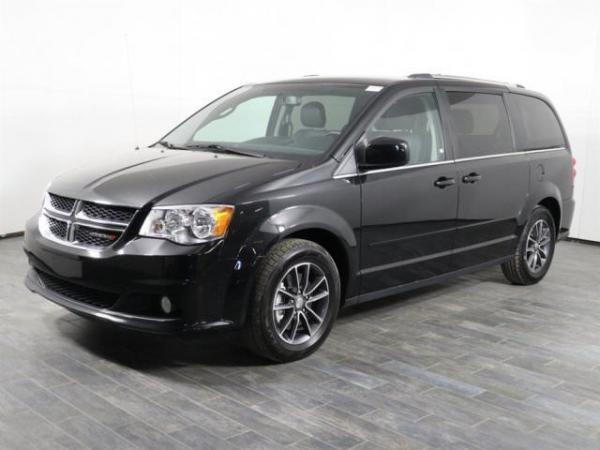 Dodge Grand Caravan 2017 $16999.00 incacar.com