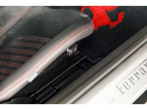 Ferrari F12berlinetta 2016 $349000.00 incacar.com
