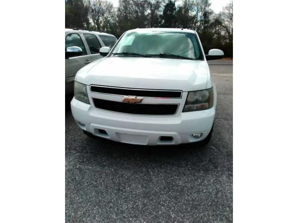 Chevrolet Suburban 2008 $13995.00 incacar.com