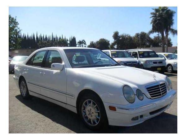 Mercedes-Benz E320 2000 $4999.00 incacar.com