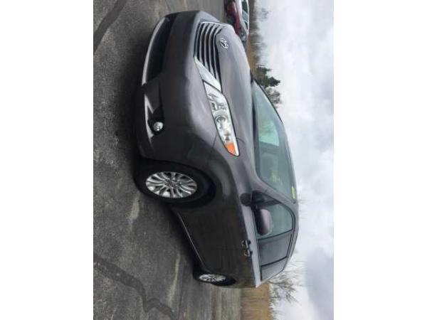 Toyota Sienna 2015 $25461.00 incacar.com