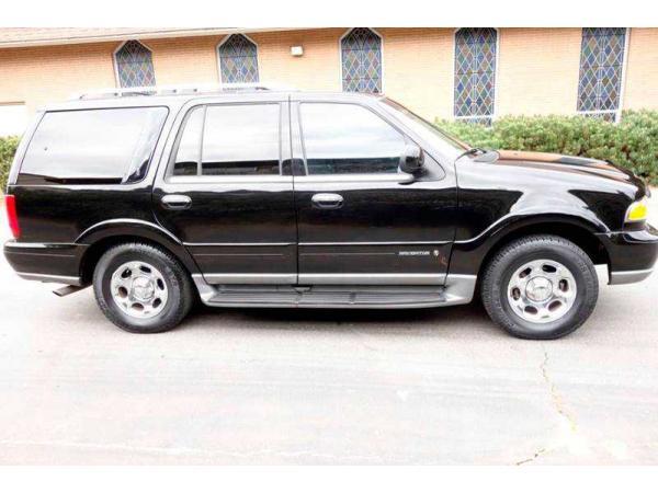 Lincoln Navigator 2002 $4995.00 incacar.com