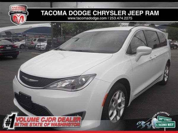 Chrysler Pacifica 2017 $24994.00 incacar.com