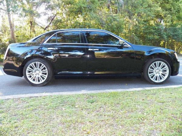 Chrysler 300 2011 $6900.00 incacar.com