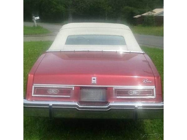 Buick Riviera 1983 $7500.00 incacar.com
