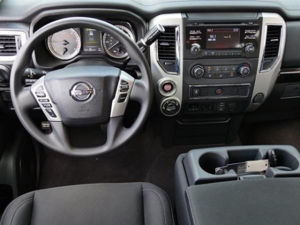 Nissan Titan 2017 $39998.00 incacar.com