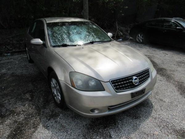 Nissan Altima 2006 $1600.00 incacar.com