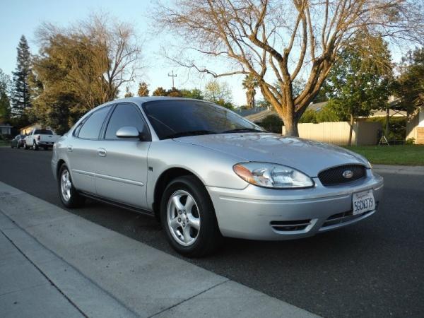Ford Taurus 2004 $3488.00 incacar.com