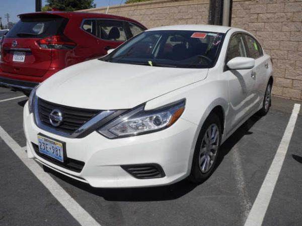Nissan Altima 2016 $13950.00 incacar.com