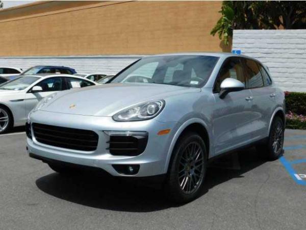 Porsche Cayenne 2017 $58999.00 incacar.com