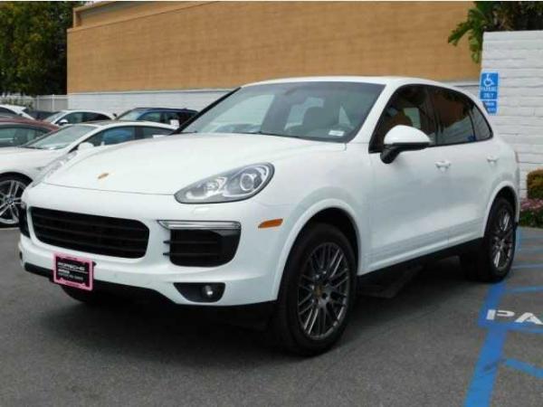 Porsche Cayenne 2017 $57999.00 incacar.com