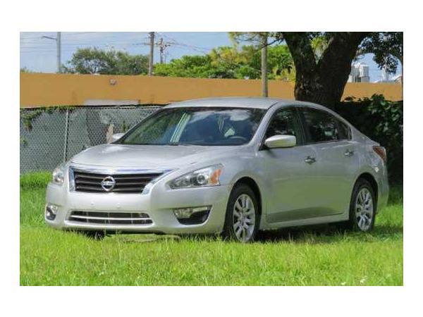 Nissan Altima 2013 $5500.00 incacar.com