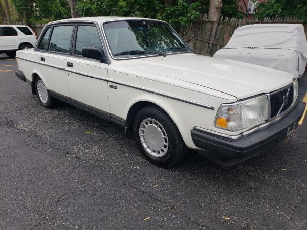 Volvo 240 1990 $1525.00 incacar.com