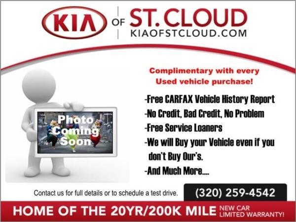 Toyota Camry 2014 $99999.00 incacar.com