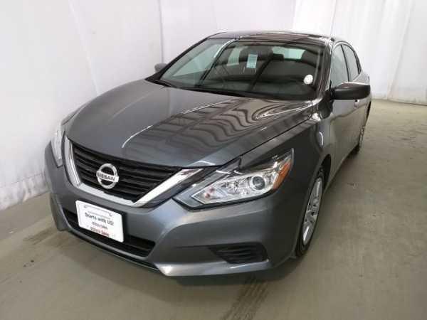 Nissan Altima 2016 $17995.00 incacar.com