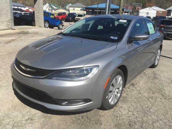 Chrysler 200 2016 $14995.00 incacar.com
