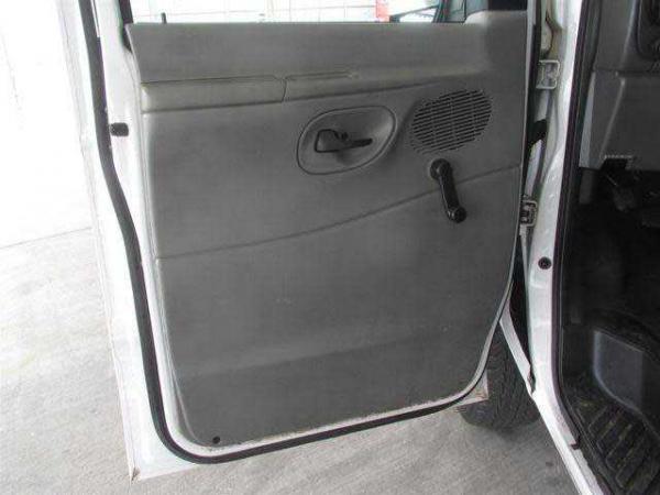 Ford E-350 2006 $3700.00 incacar.com