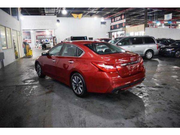 Nissan Altima 2017 $15359.00 incacar.com
