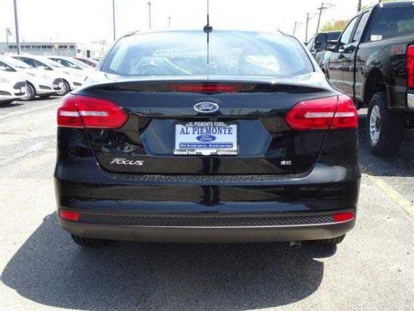 Ford Focus 2017 $15173.00 incacar.com
