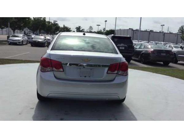 Chevrolet Cruze 2013 $9640.00 incacar.com