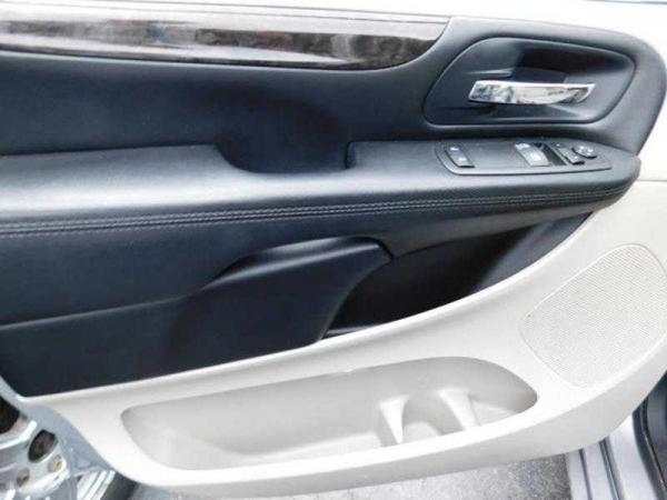 Dodge Grand Caravan 2014 $9950.00 incacar.com