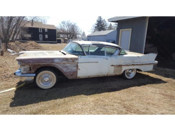 Cadillac DeVille 1958 $4700.00 incacar.com